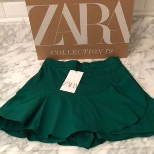 Zara Mini Skirt Green Brand New w/tags size xs